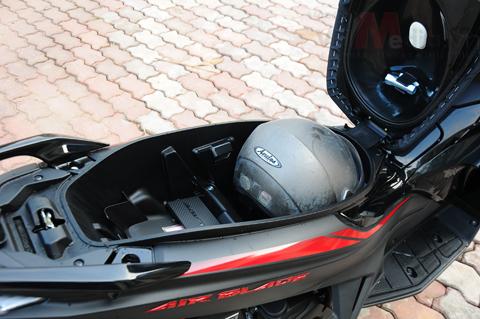 Honda tung mẫu air blade đen mờ 40 triệu - 6