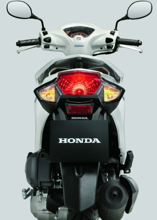 Honda vision 2015 thời trang hơn thanh lịch hơn - 2