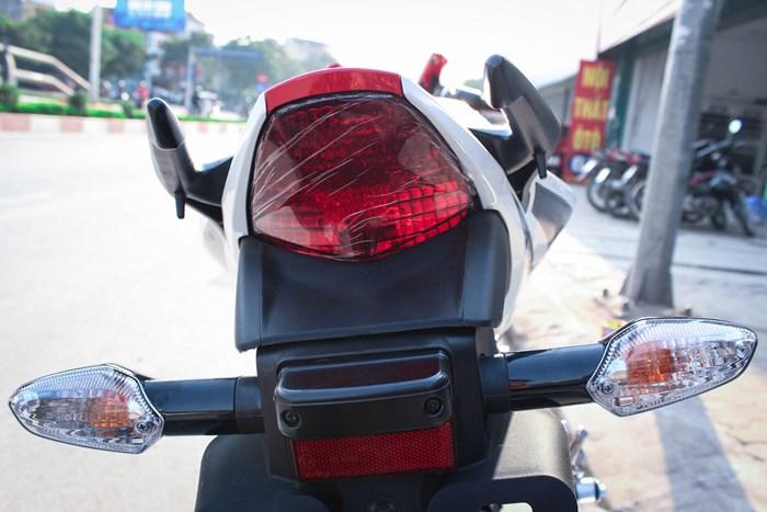 Honda cbr 150r 2015 đầy cá tính và mạnh mẽ - 3