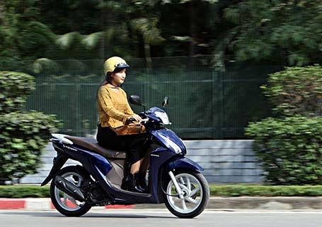 Những mẫu xe tay ga tiết kiệm xăng nhất hiện nay dành cho nữ - 2